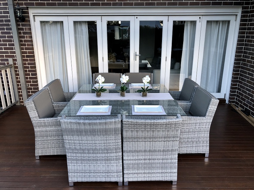 Royale Outdoor Wicker Dining Settings