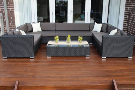 Gartemoebe Grand Wicker Lounge Setting with charcoal fabric