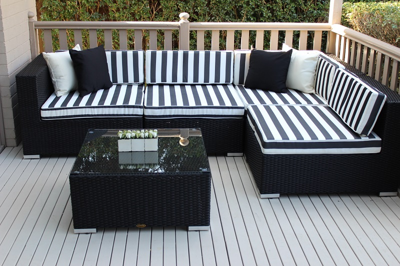 Gartemoebe Five Ways Modular Wicker Setting