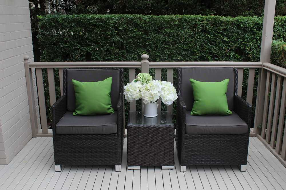 Royale Outdoor Patio Furniture Setting