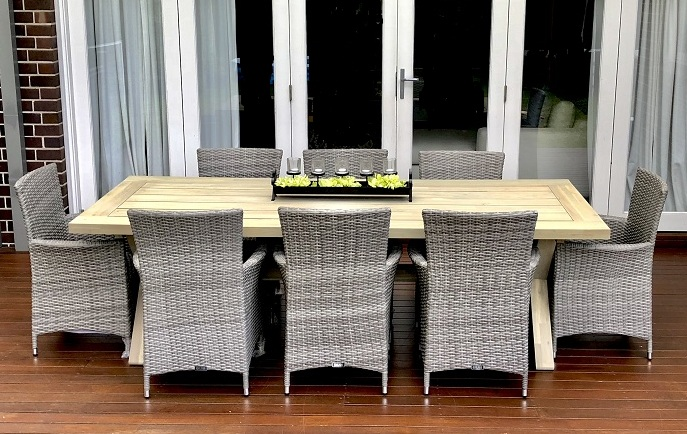 Norfolk Outdoor Dining Setting