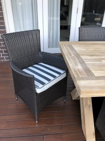 Norwich Outdoor wicker Dining setting Gartemoebe chairs Charcoal hazelnut with bw stripe fabric