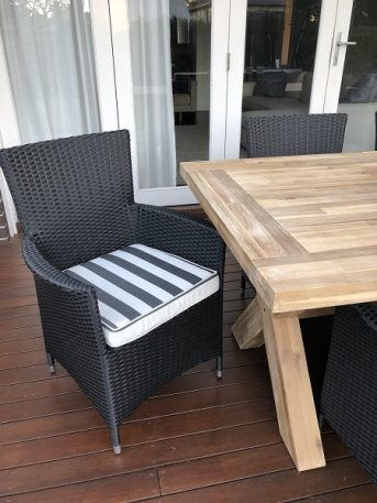 Norwich Outdoor wicker Dining setting Gartemoebe chairs licorice black with bw stripe fabric