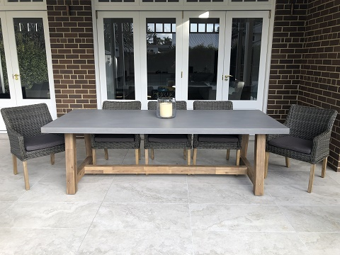 Veltis 8 seater Outdoor Dining Setting With Ponte Chairs