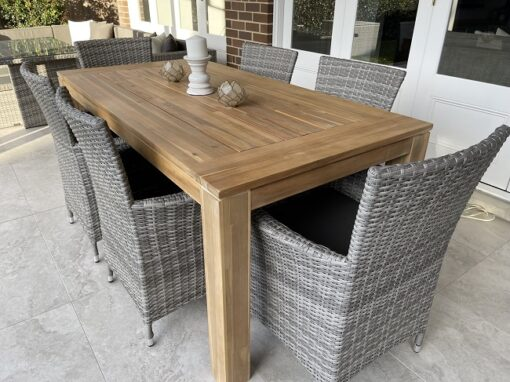 Cancun Dining setting with gartemobe chairs side