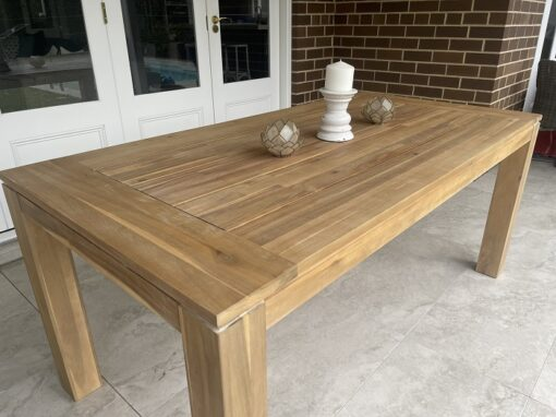 Cancun dining table 180 cm side view